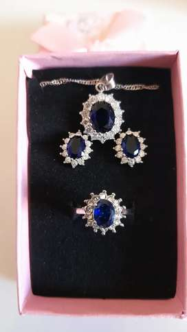 Princess Kate blue sapphire 18ct white gold jewelry set for sale
