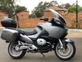 Immaculate 2006 BMW R1200RT. 79,000kms