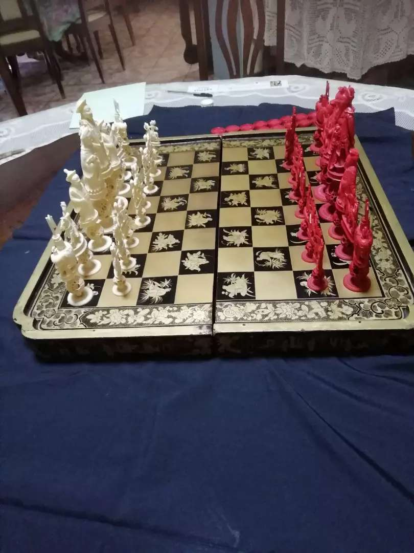 Antique ivory chess set 0
