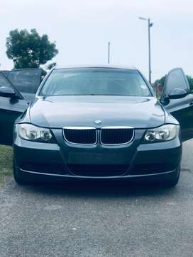 I'm selling BMW 320i e90 used ,aut,2009 model ,mileage 260k