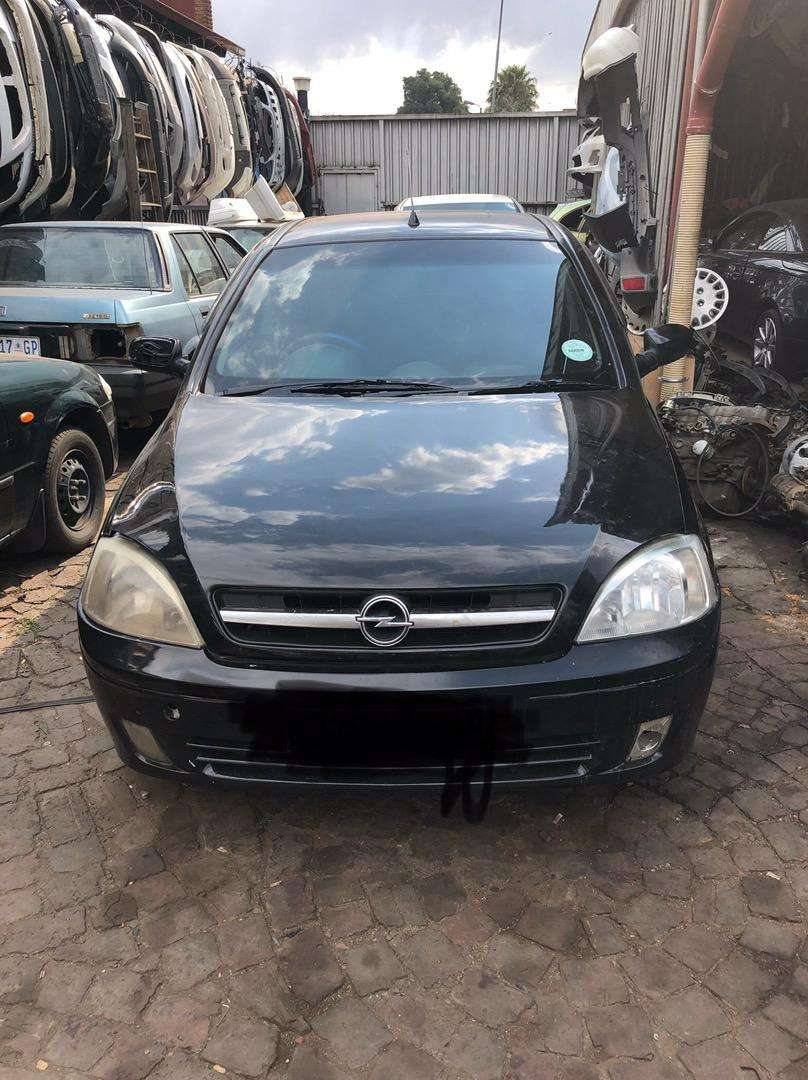Opel corsa sport stripping for parts 0