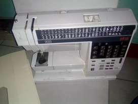 Elna 9000 computerized sewing machine for sale R2500 embroidery and no