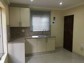 Lovely bachelor Apartment to let in Lombardy East