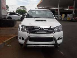 Am selling my Toyota Hilux single 3.0