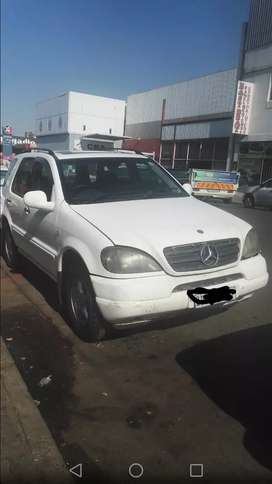 Stripping Mercedes w63 for spares and accessories