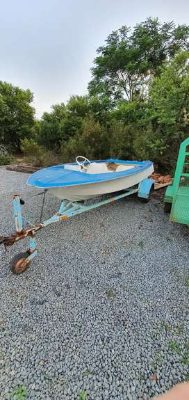 Boat without trailer.