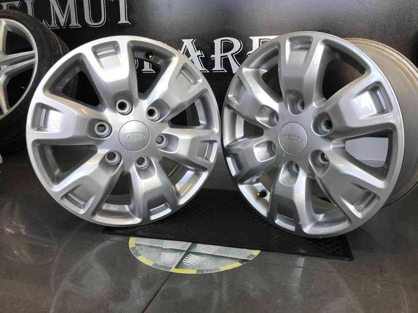 Ford Ranger 16 inch mags for sale!!