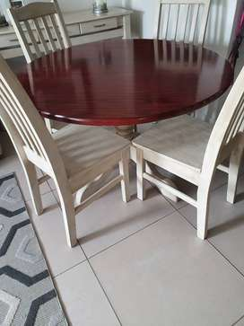 Solid Mahogany 4-seater dining room for sale