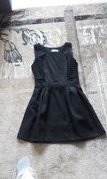 Czarna elegancka sukienka - rozkloszowana - rozm. 36