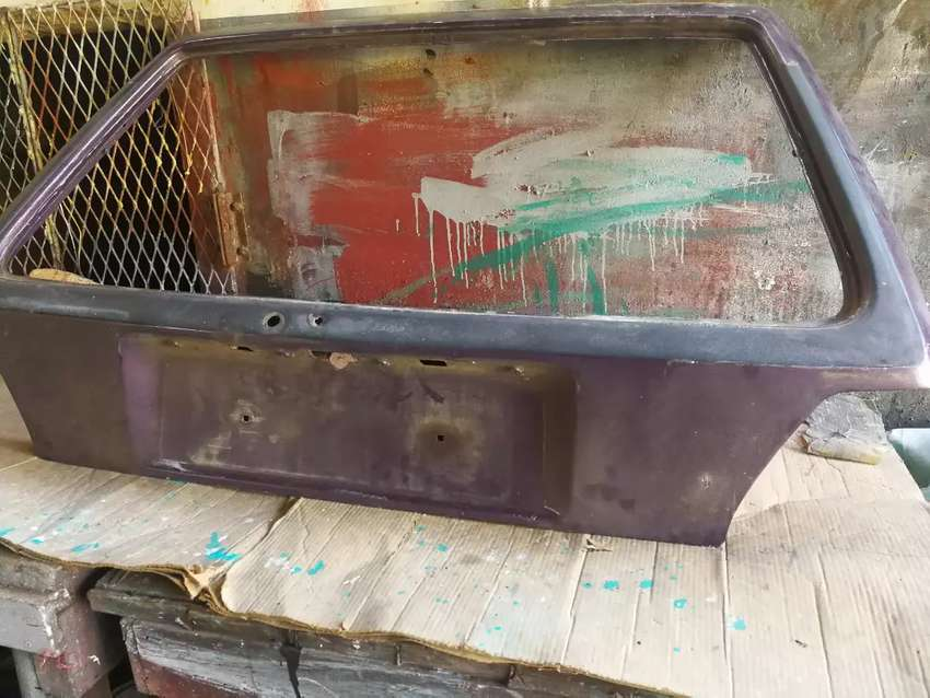Vw golf 2 tail gate only. 0