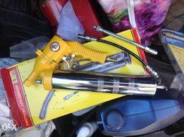 Продам пневмо шприц, мовильницу, краскопульт, пистолет для смазки
