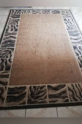 Crafton  Everest Living room suite, matching carpet and scatters
