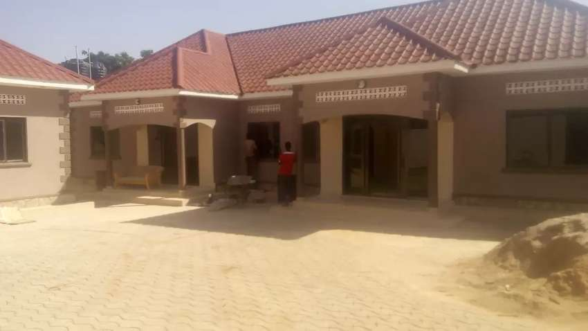 Houses for rent kisaasi 2bedrooms 2bathroom 0