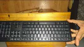 Wireless keyboard and mouse plus 80G harddrivr