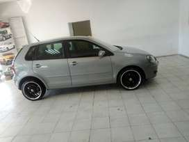 SILVER VW POLO 1.6 HATCH BACK