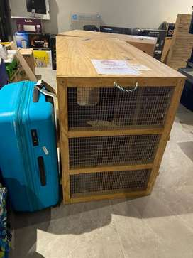 Pet relocation crates