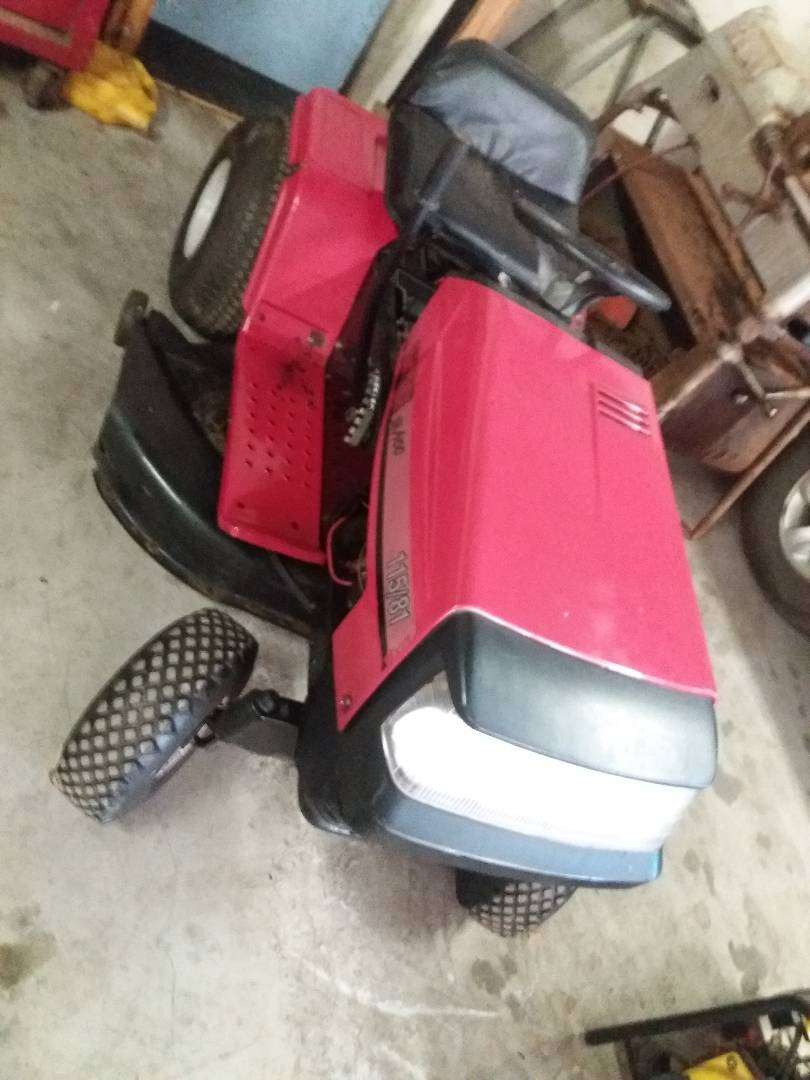 Ride on lawn mower for sale 0