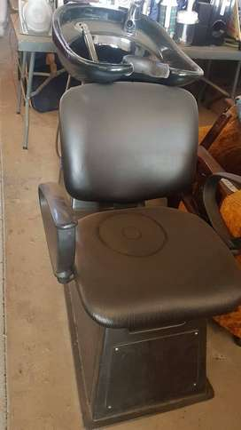 SHAMPOO BARBER BACKWASH CHAIR R3200