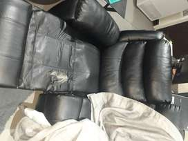 Absolutley stunning 3 seater pleather lounge suite