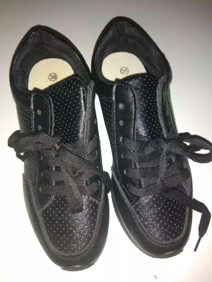 Nove boty vel 36 0