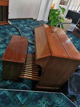 Hammond C3 Full pedal Valve organ with Leslie for sale