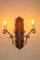 Светильник настенный из массива состаренной сосны и элементов ковки