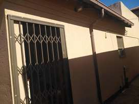 Cottage to rent - Dobsonville