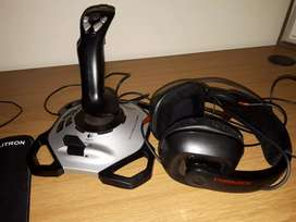 extreme 3d pro joystick & headphone set
