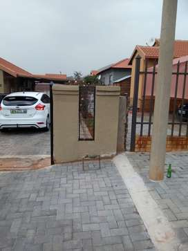 3bedroom to rent at Tlhabane west