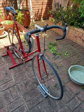 Benotto road bike and spinner for sale
