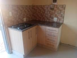 Newly spacious  cottage room to rent at Crystal Park Ext 32