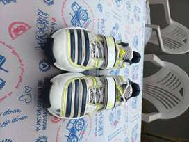 Adidas 22 Yards Cricket shoes spikes size 10