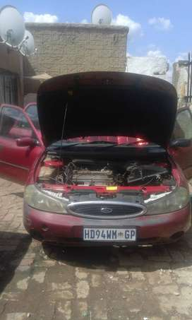 Ford Mondeo 2L in good running condition FOR SALE