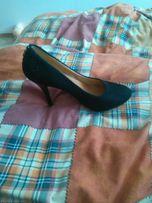 Замшеві туфлі 40розмір терміново тільки сьогодні