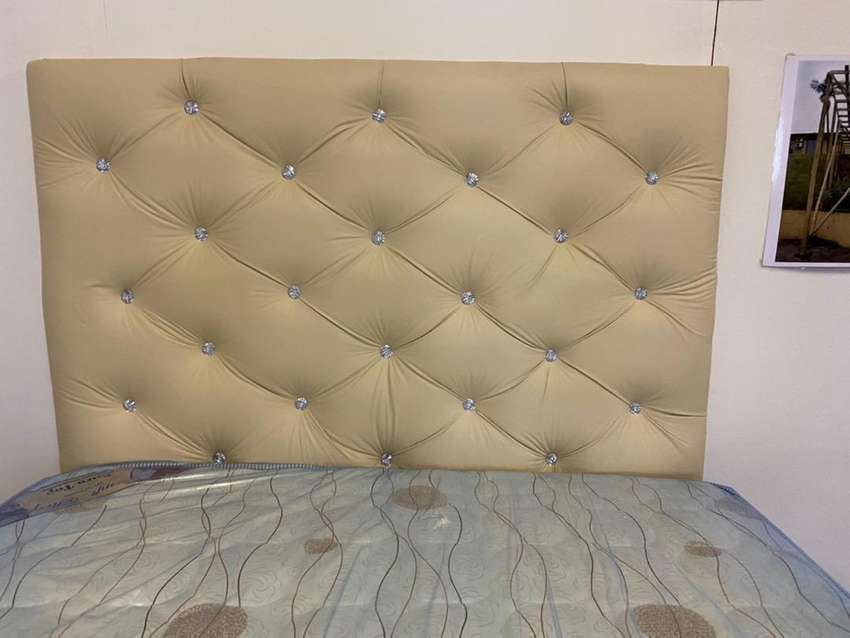 Clearence Ssle - Double bed Head board 0