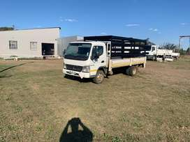 Low milleage 4ton truck with cattle rails very good condition