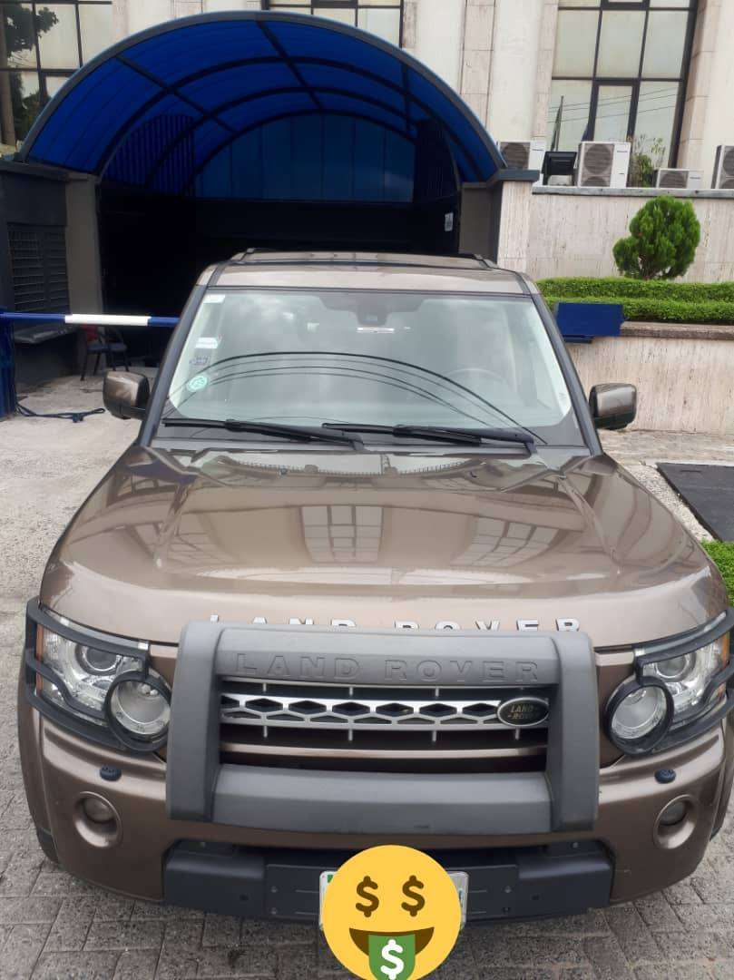 Like New Land Rover Discovery 4 V8 HSE 0