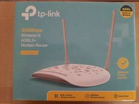 TP-Link Wireless Router 300Mbps - Newer Used!