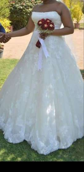 Creame wedding dress