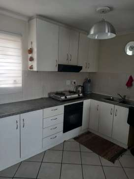 Spacious 1 bedroom flat to let.