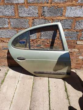 Renault magane 1 rear right door shell