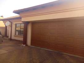 4 Bedroom house for sale in Paradise Park.1