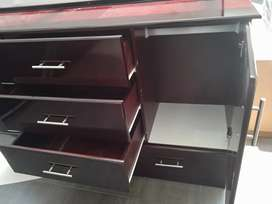 Chicago chest of drawer (with runners)