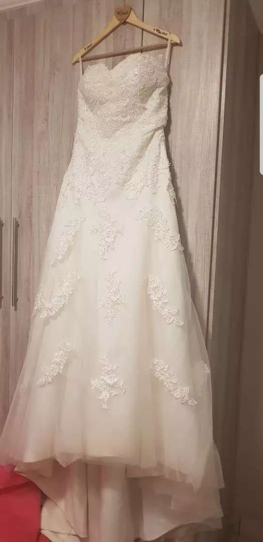 Off white wedding dress 0