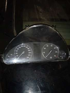 W203 Cluster for sale