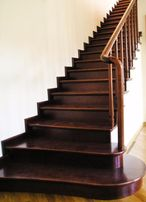 Изготовление деревянных лестниц любой сложности, монтаж, визуализация