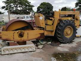 Bomag Roller.  Complete but not runnning as one pump is missing.