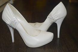 Белые свадебные туфли 36 р.