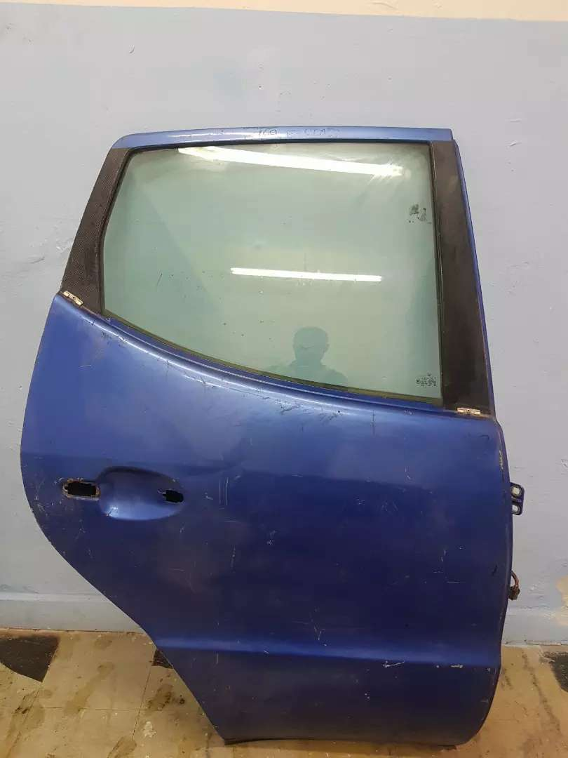 MERCEDES BENZ 169 E-CLASS BACK RIGHT SIDE DOOR AVAILABLE