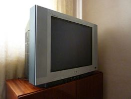 Телевізор LG Flatron.